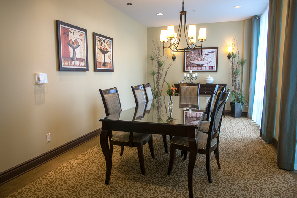Private dining area at Red Oak Retirement Residence