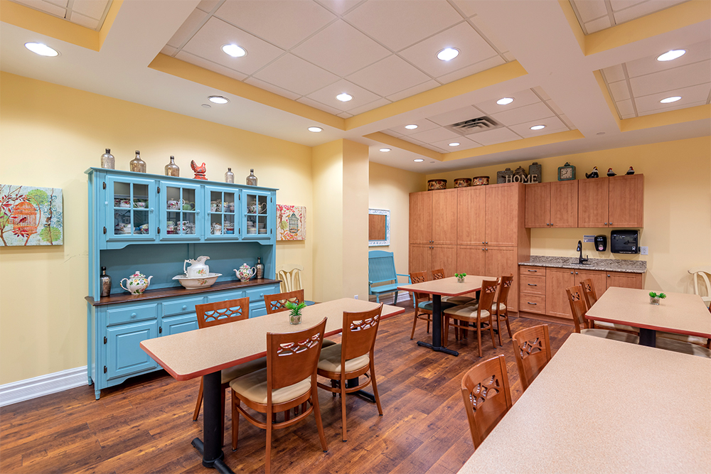 The dining area of the memory care at Waterford Barrie Retirement Residence
