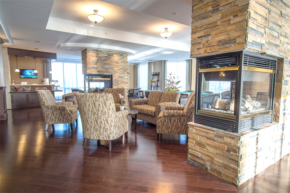 Lobby area at Red Oak Retirement Residence