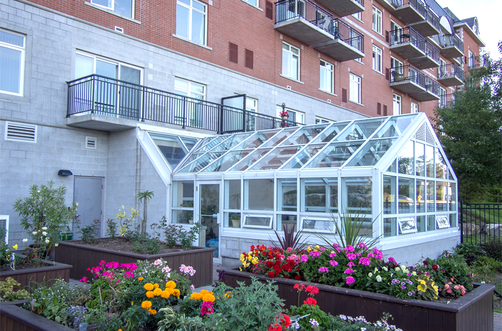 Beautiful garden at Red Oak Retirement Residence