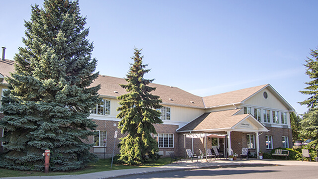 image of the front entrance of Trillium Retirement Residence in Kingston