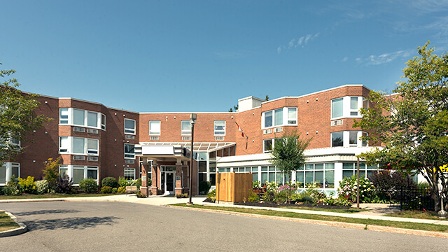 exterior shot of Bearbrook Retirement Residence in Ottawa