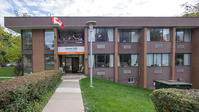 image of front entrance of Owen Hill Care Community in Barrie
