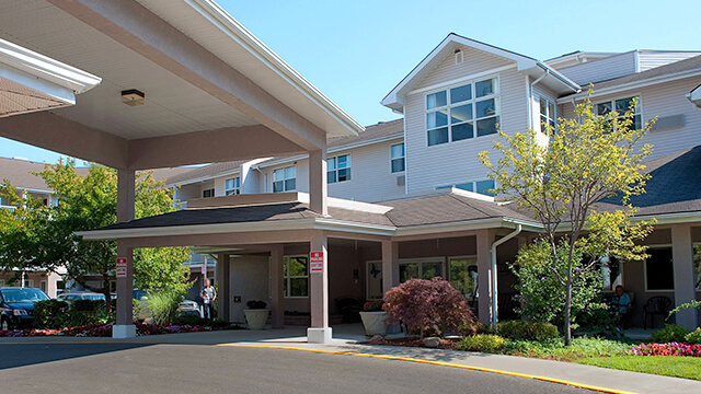 exterior shot of Masonville Manor Retirement Residence in London