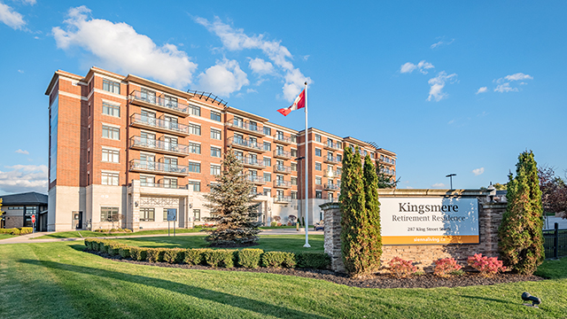 exterior shot of Kingsmere Retirement Residence in Alliston