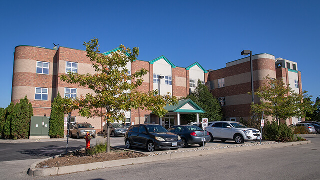 image of front entrance of Hawthorn Woods Care Community in Brampton