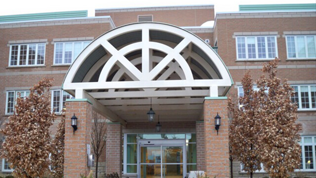 image of front entrance of Bradford Valley Care Community in Bradford