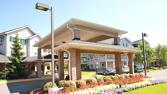 exterior shot of Fairwinds Lodge Retirement Residence in Sarnia