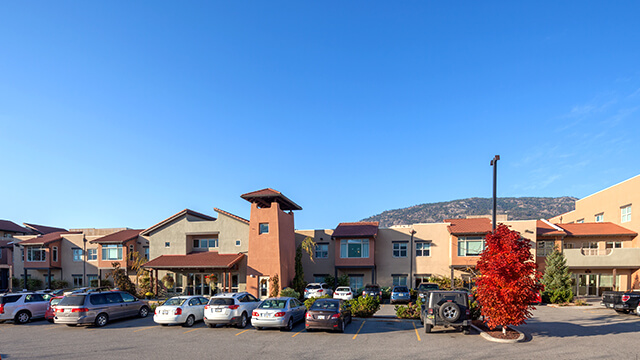 image of the front entrance of Mariposa Gardens Retirement and Care Community in Osoyoos