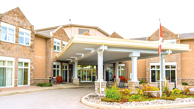 exterior shot of Kawartha Lakes Retirement Residence in Bobcaygeon