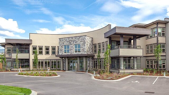 image of the front entrance of Glenmore Lodge Care Community in Kelowna